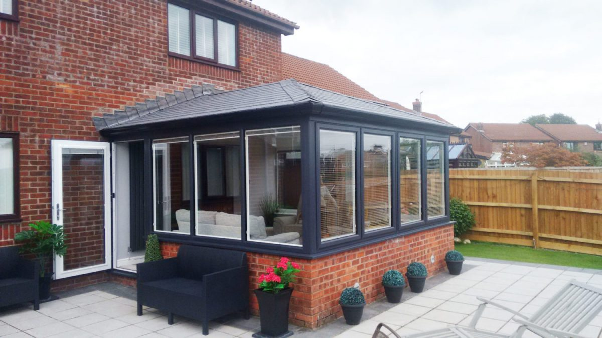 Small Conservatory Tycroes